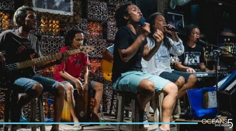 Live band playing on Gili Air