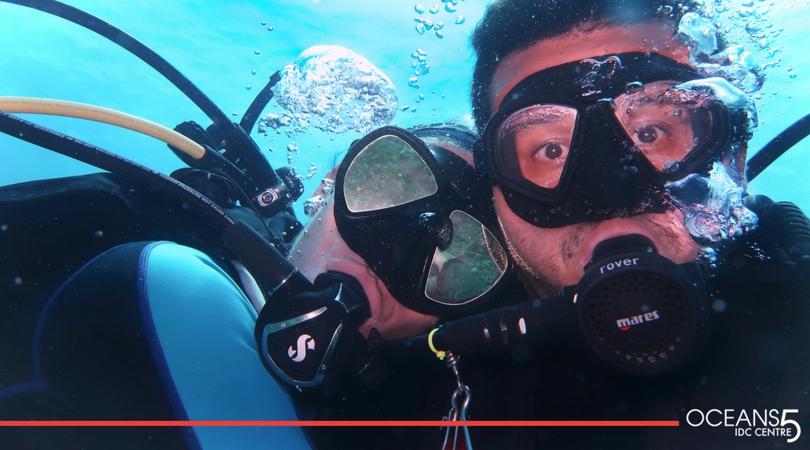 Meg and Sal underwater selfie diving