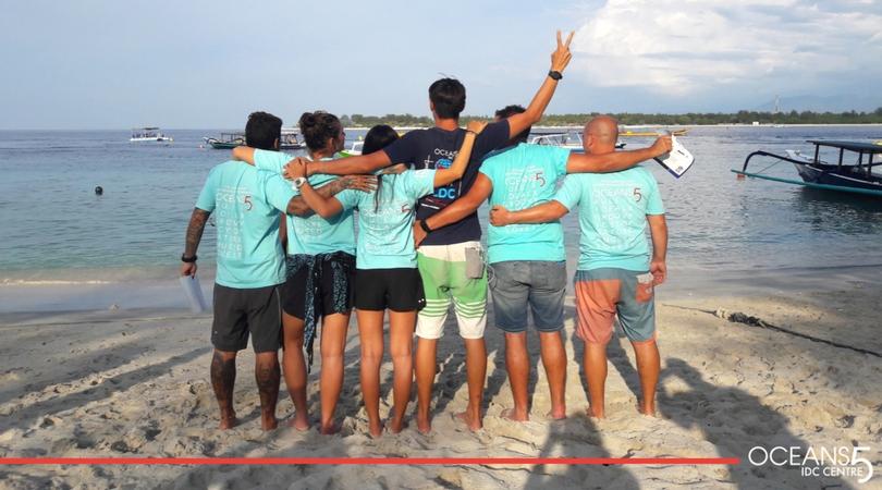 Diving instructor graduates