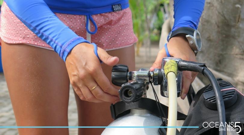 setting up scuba diving equipment