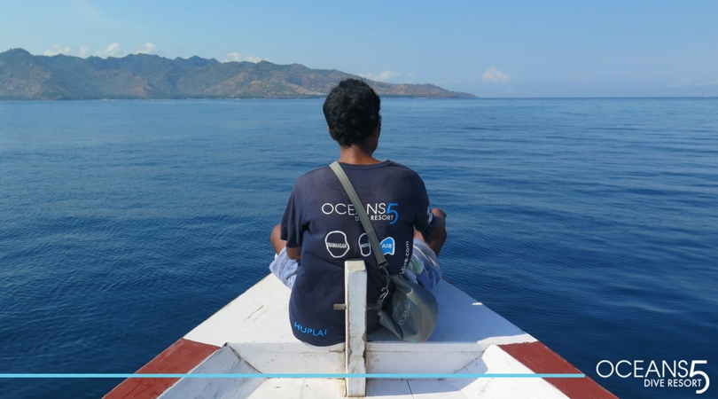 Beautiful ocean around Gili Air on our dive boat